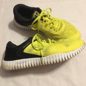 New Balance Flexonic running 🏃♀️ Neon sneakers